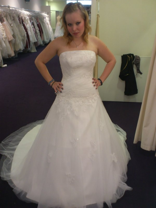 La robe aulan de point mariage blog de robe mariage 27 for Robes de mariage cyber lundi